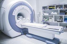El Virus de la inmunodeficiencia humana (VIH) puede persistir en el cerebro a pesar del tratamiento farmacológico al que esté sometido el paciente, científicos de 'University College London' (UCL), en Reino Unido han desarrollado un modo de utilizar las imágenes de Resonancia Magnética para identificar dicho fenómeno. 📈📈 #ResonanciaMagnetica #VIH #Salud #RM #GSV #ComprometidosConTuSalud