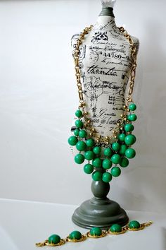 Particularly Practically Pretty: A few of my favorites // green jewelry // emerald jewelry // green necklace // green bracelet
