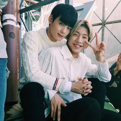 [10.11.16] Astro on twitter - EunWoo e JinJin