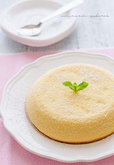 Pastel japonés sin gluten, con tan sólo tres ingredientes: huevo, chocolate blanco y queso mascarpone.