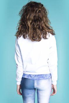Bluse med firkantet syninger fra danske POPcph. Leggins med sky print, fra Mr Gugu & Miss Go. Bluse - Quilted Sweatshirt, Pris: 190,-  http://frejafashion.dk/products/quilted-sweatshirt Leggings - Clouds Leggins, Pris: 90,-  http://frejafashion.dk/products/clouds-leggins