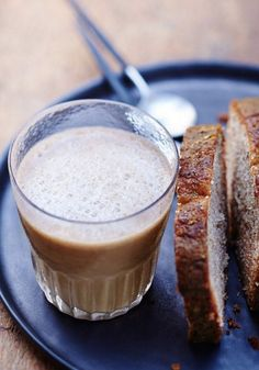 Create a breakfast combination you are sure to enjoy with this recipe for Banana Bread and Caramelito Milkshake. The fruity flavor paired with a rich brew of Nespresso is sure to be a winner. Serve your family this tasty treat for the perfect way to start the day.
