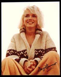 Marilyn in cozy boho style