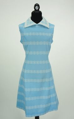 Vintage 1960s Light Blue and White Wide Collar by CeeLostInTime