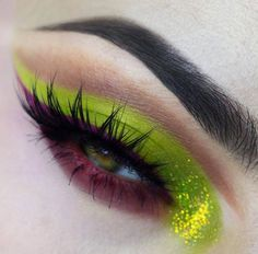 @lola_artistry gorgeous eye in the RADIOACTIVE stack Check out her page for more details  #meltcosmetics #meltradioactive by meltcosmetics