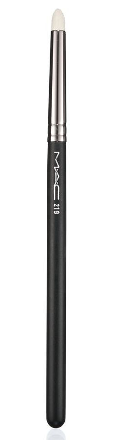 This MAC pencil brush can be used to blend eyeshadow, it softly serves well to get rid of excess product.