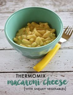 Thermomix recipe: Sneaky Macaroni Cheese Thermomix Mac and Cheese {with sneaky vegetables} Thermomix recipe for MakkSalsa (Thermomix – RecipeThermomix recipe for Papr Vegetable Recipes, Vegetarian Recipes, Healthy Recipes, Baby Food Recipes, Cooking Recipes, Dinner Recipes, Bellini Recipe, Queso Cheddar, Hidden Veggies