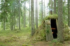 So we know this isn't a house, but still, this hotel is pretty awesome! Would you try this instead of a tent? The Kolarbyn Eco-lodge: Sweden's most primitive hotel Glamping, Casa Hotel, Unusual Hotels, Cabin In The Woods, Tiny Spaces, Best Hotels, Amazing Hotels, Luxury Hotels, Lodges
