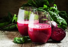 Beetroot juice has many health benefits which are giving it the status of super – food. Smoothie Prep, Avocado Smoothie, Smoothie Recipes, Beetroot Juice Health Benefits, Juicing Benefits, Superfood, Curcuma Latte, Purple Vegetables, Morning Drinks