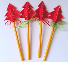 Xmas tree pencil toppers - cute craft to do with the kiddies?