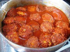 קציצות גזר ברוטב עגבניות - לקציצות-4 גזרים גדולים. לרוטב- 2 רסק עגבניות קטנים ,1-2כפות סוכר, 2 וחצי כוסות מים