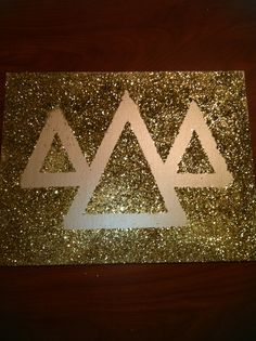 Tri delta glitter canvas, perfect gift for your little. #tridelta #canvas #gift