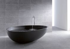 Modern bathtub design – Adorable Home Black Bathtub, Black Tub, Contemporary Bathtubs, Modern Bathtub, Bathroom Tile Designs, Modern Bathroom Design, Bathtub Designs, Concrete Bathtub, Stone Bathtub