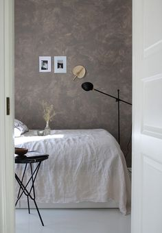 CHALK PAINTED BEDROOM WALL / RAW DESIGN BLOG