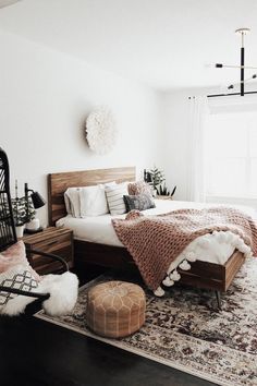 Elegant and Simple Bedroom Decors - What Is It - Home bedroom - Schlafzimmer Bedroom Inspo, Home Bedroom, Master Bedroom, Bedroom Modern, Bedroom Rugs, Bedroom Rustic, Bedroom Chair, Minimalist Bedroom, Neutral Colored Bedroom