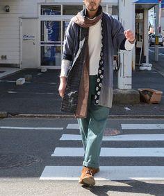 1940~50年代頃のジャパンヴィンテージ針抜きTシャツ。戦後の三越製です。ハードなダメージにリペアが極上の雰囲気を放っており、グランジアイテムとしても評価すべき日本の古着です。この年代のアンダーウェアが残っているのも貴重ですね。野良着や古布ストールとの相性も抜群に良いです。