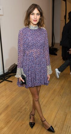 """alexachung: """"Alexa Chung attends the Topshop Unique show during London Fashion Week at Tate Britain on February 2015 in London, England. Alexa Chung Style, Daily Alexa Chung, Summer Outfits Women 30s, Best Casual Outfits, Star Fashion, Womens Fashion, Fashion Trends, Preppy Fashion, 30s Fashion"""