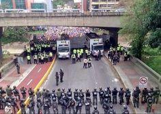 Somos muchos más que ellos ... #Caracas