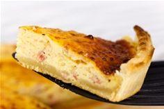 Lorenska pita tipično je francusko jelo. Priprema joj je jednostavna, a za kompletan obrok možete je dopuniti svježom salatom.