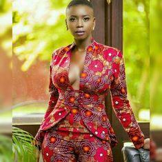 Beautiful classy ankara jackets and blazers styles for ladies, trendy ankara jackets for ladies, classy anakra blazers, ankara blazers for ladies, ankara jackets trends African Fashion Designers, African Inspired Fashion, Latest African Fashion Dresses, African Print Dresses, African Print Fashion, Africa Fashion, African Wear, African Attire, African Women
