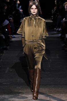 Givenchy Fall 2012 Ready-to-Wear Fashion Show - Tilda Lindstam