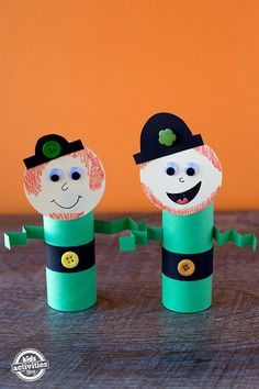 This Toilet Roll Leprechaun is a perfect craft for preschoolers! Try this simple craft to celebrate St. Patrick's Day at school, home, or daycare. Toilet Roll Leprechauns Toy Craft My kids love to play with Saint Patricks Day Art, St Patricks Day Crafts For Kids, St Patrick's Day Crafts, Crafts For Kids To Make, Preschool Crafts, Holiday Crafts, Holiday Fun, Easy Crafts, Preschool Age