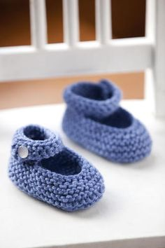 http://www.stitchnationyarn.com/Patterns/baby-janes.html Mary Janes