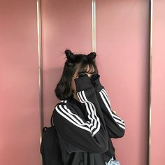 Discover recipes, home ideas, style inspiration and other ideas to try. Korean Girl Photo, Cute Korean Girl, Asian Girl, Mode Ulzzang, Ulzzang Korean Girl, Ulzzang Girl Fashion, Ullzang Girls, Ulzzang Short Hair, Mode Kpop