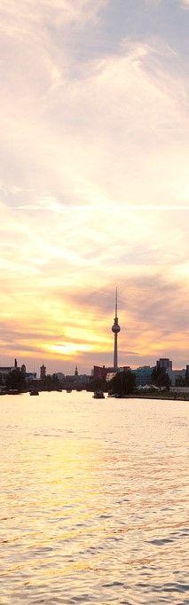 Spree und Fernsehturm Berlin