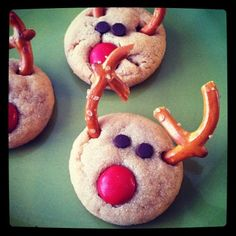 Reindeer cookies - Substitute with chocolate covered pretzels