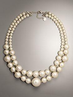 Diferentes tamaños de perlas hacen de este collar único. #pearls #perlas #perles