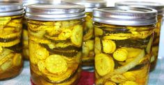 Cooking With Mary and Friends: Old Fashioned Southern Squash Pickles Squash Relish Canning Recipe, Canning Squash, Canning Zucchini, Tomato Canning, Pickled Vegetables Recipe, Canning Vegetables, Sweet Pickled Squash Recipe, Veggies, Zucchini Pickles