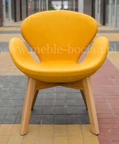 Fotel Andora tapicerowany designerski drewniana podstawa żółty