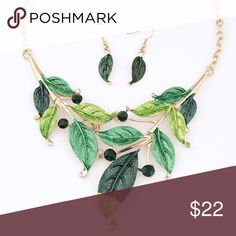 "GREEN BOHEMIAN STYLE VINTAGE LEAVES NECKLACE SET Product Content: Environmental Alloy, Rhinestone Length: Approx. 40cm Earrings: 4.2cm Drop, Post back Lobster claw clasp with 3.0"" Extender Jewelry Necklaces"
