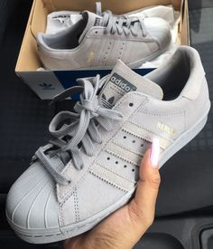 schuhe adidas grau nice nike schuhe style fashion superstar adidas superstar wildleder turnschuhe Source by Cute Shoes, Women's Shoes, Me Too Shoes, Shoe Boots, Shoes Sneakers, Grey Sneakers, Roshe Shoes, Shoes Style, Star Shoes