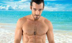 A sus 34 años de edad, ¡Aarón Díaz luce más guapo que nunca!