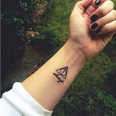 Harry Potter Tattoos That Would Make J.K. Rowling Proud ❤ liked on Polyvore featuring tattoos and pictures