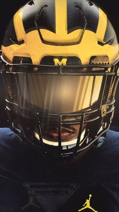 Michigan Football Helmet, Xfl Football, Detroit Football, Football Poses, College Football Helmets, Football Is Life, Football Design, Football Uniforms, Football Pictures