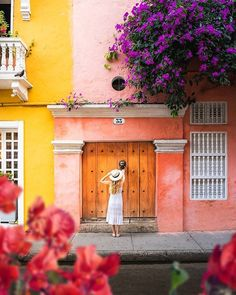 Solo Travel Destinations Usa National Parks Single Travel Usa Things To Do Solo Travel, Travel Usa, Patagonia, Visit Colombia, Colombia Travel, Singles Holidays, Single Travel, Colonial Architecture, Unique Doors