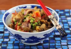 stir-fried curried beef with tomatoes and peas