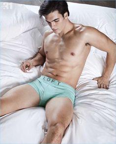 Matthew-Terry-2017-Simons-Underwear-Photo-Shoot-011