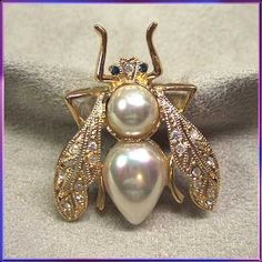 Roman Bumble Bee Pin Antiqued Gold Pearl Brooch Vintage Jewelry