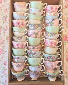 Image uploaded by Perla. Find images and videos about on We Heart It - the app to get lost in what you love. Vintage Dishes, Vintage China, Vintage Tea, Teacup Crafts, Bone China Tea Cups, Cuppa Tea, Tea Cup Saucer, Tea Time, Coffee Cups