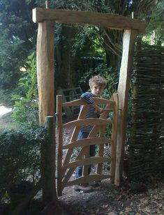 Established by Alex Moir in The Cleft Wood Company is a small team of craftsmen who specialise in traditional cleft oak fencing and gates. Wooden Garden Gate, Wooden Gates, Wooden Fence, Garden Fencing, Gate Company, Wood Company, Farm Plans, Chicken Garden, Beach Cottage Style