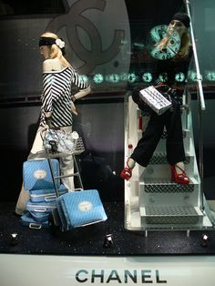 Vitrina Chanel We have lots of mannequins for sale @ www.mannequinmadness.com!