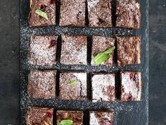 Make these homemade brownies that are sugar free. These brownies taste delicious and they can easily be prepared with this simple and hassle free recipe.