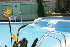 Hotel Acapulco Lloret de Mar Hotel Acapulco offers an outdoor swimming pool and hot tub. Set 500 metres from Lloret de Mar's beach and lively centre, it is a 5-minute walk from the bus station.