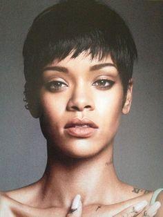 Rihanna- her face is so alienesque and gorgeous. Rihanna Riri, Rihanna Style, Rihanna Pixie Cut, Rihanna Short Hair, Black Girls Hairstyles, Cool Hairstyles, Rihanna Hairstyles, New Hairstyle Cutting, Curly Hair Styles