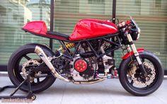RocketGarage Cafe Racer: Simply Red