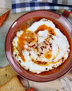 oua turcesti blog Hungarian Recipes, Turkish Recipes, Ethnic Recipes, Romanian Recipes, Arabic Breakfast, Egg Recipes, Healthy Recipes, Healthy Food, Romanian Food